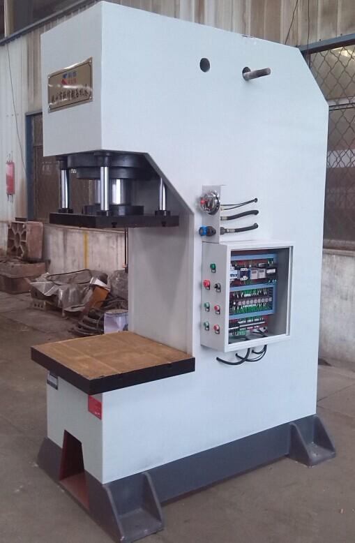 200吨单柱液压机(带上工作台型)图片