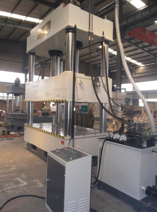 二梁四柱液压机  产品介绍图片